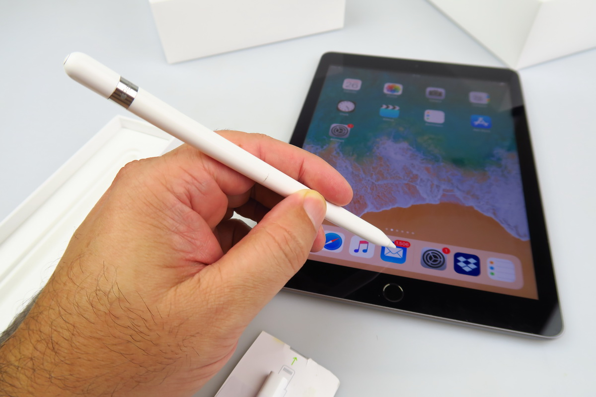 Apple iPad 9.7 (2018) Review