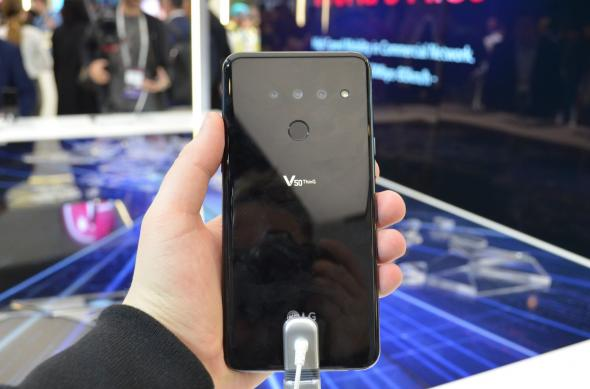 LG V50 ThinQ - Fotografii hands-on: LG-V50-ThinQ_006.jpg