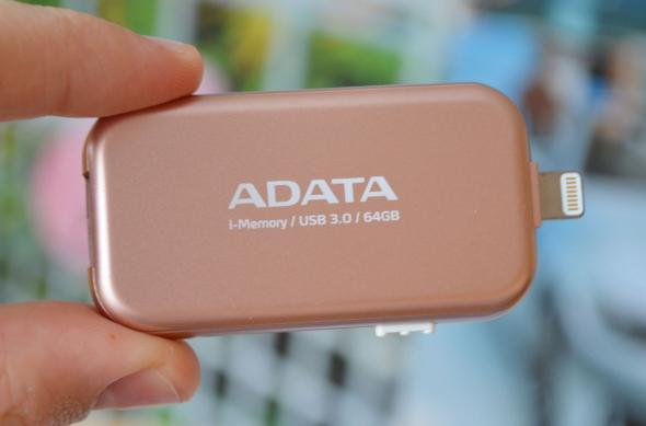 Stick ADATA iMemory UE710 - Fotografii hands-on: A-DATA i-Memory Flash UE710 (2).jpg
