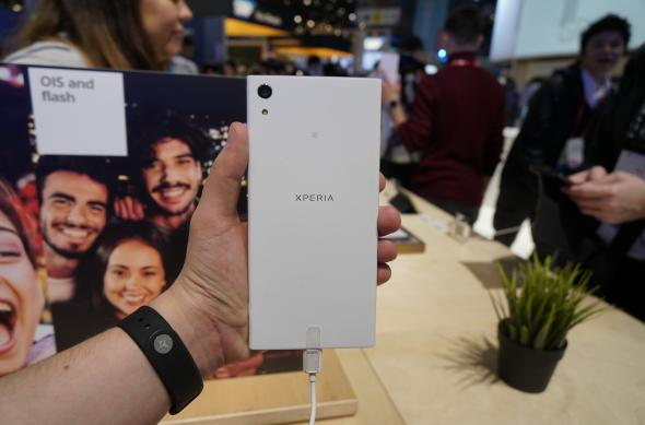 Sony Xperia XA1 Ultra - Fotografii Hands-On de la evenimente: Sony-Xperia-XA1-Ultra_007.JPG