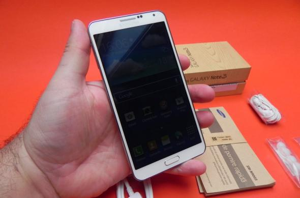 Samsung Galaxy Note 3 unboxing: scoatem din cutie un candidat foarte solid la phabletul anului 2013 (Video): samsung_galaxy_note_3_review_mobilissimo_ro_45jpg.jpg