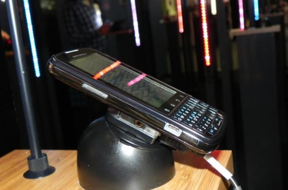 MWC 2011: Motorola Pro, surprins În acțiune În Barcelona; telefonul business la superlativ (Video): dscn3724jpg.jpg