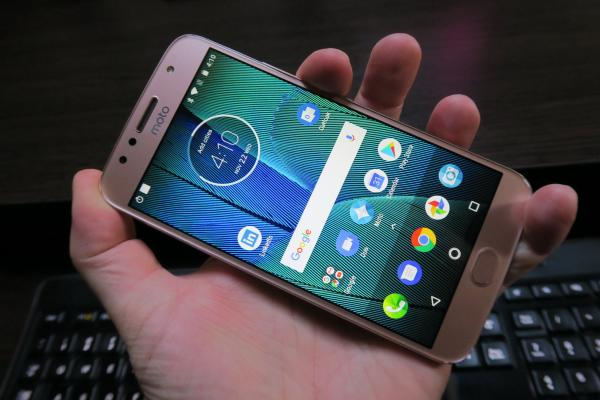 Motorola Moto G5S Plus - Fotografii Hands-On