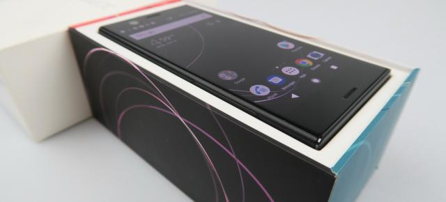 Sony Xperia XZ1 Compact Unboxing: micul challenger pentru iPhone 8 e aici (Video)