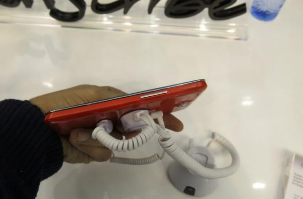 MWC 2013: Alcatel One Touch Scribe Easy hands on preview - phablet de buget cu Jelly Bean (Video): alcatel_one_touch_scribe_easy_05jpg.jpg