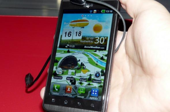 Primul telefon 3D din România Într-un preview Mobilissimo: LG Optimus 3D la Orange Concept Store (Video): lg_optimus_3d_orange_concept_store_4.jpg