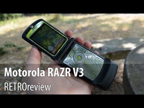 Motorola RAZR V3 Video Review (Retro Review)