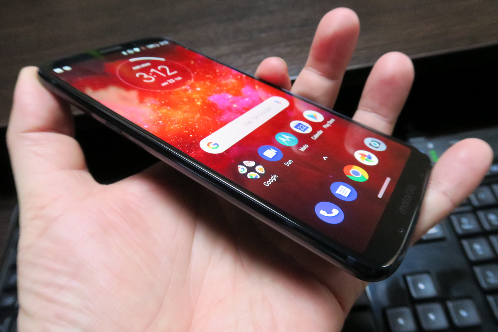 Motorola Moto Z3 Play Review