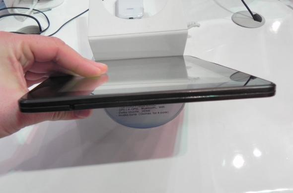 MWC 2012: ZTE PF100 preview - o nouă tableta quad core cu Android 4.0 (Video): dscn0640jpg.jpg