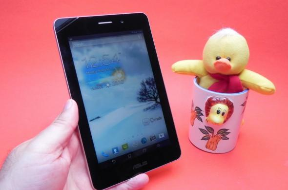Review ASUS FonePad: un Nexus 7 metalizat, cu procesor single core Intel și apeluri telefonice (Video): asus_fonepad_review_mobilissimo_ro_10jpg.jpg