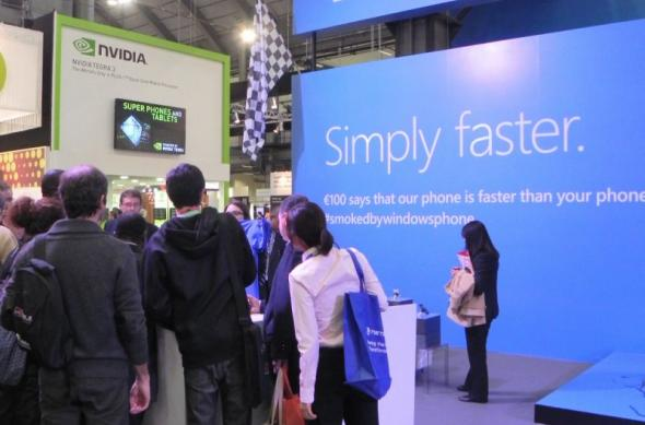 MWC 2012 - Iată standul Windows Phone, care a mizat pe simplitate și comparația cu alte sisteme de operare (Video): dscn1040.jpg