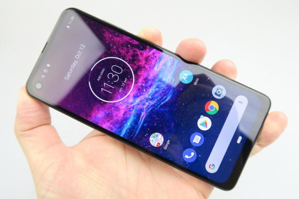 Motorola One Action - Galerie foto Mobilissimo.ro