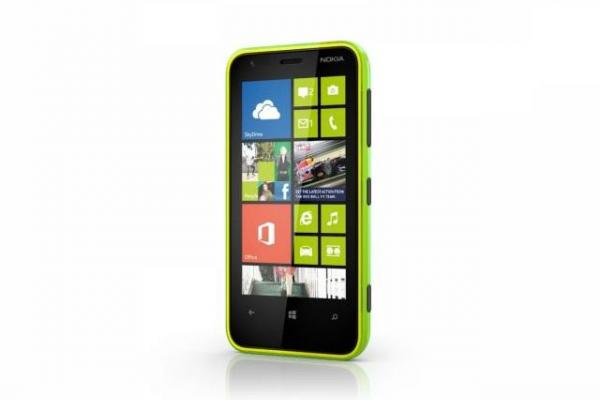 Nokia Lumia 620 vs HTC Windows Phone 8S - lupta se ascute În segmentul mid-range cu Windows Phone 8