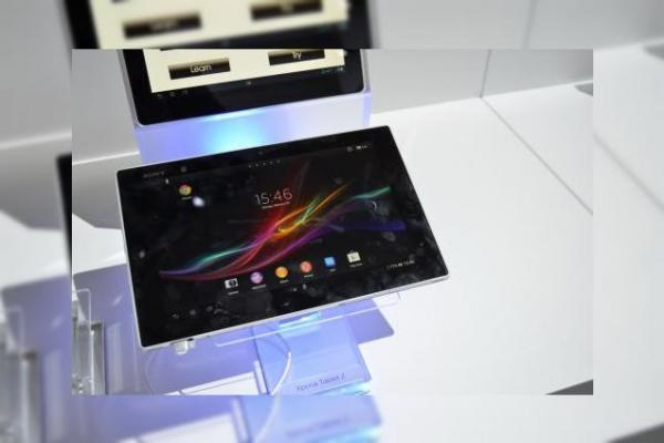 MWC 2013: Experienta hands on cu tableta Sony Xperia Tableta Z, cea mai subțire tableta din lume (Video)