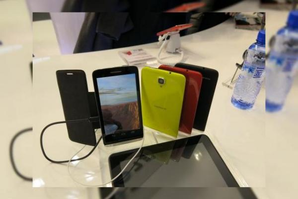MWC 2013: Alcatel One Touch Scribe HD, un prim phablet al companiei (Video)