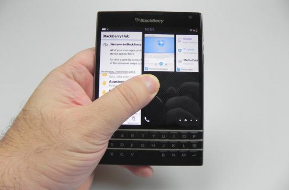 BlackBerry Passport review: murele nu trebuie să fie neapărat acre! (Video): black_berry_passport_060_copyjpg.jpg