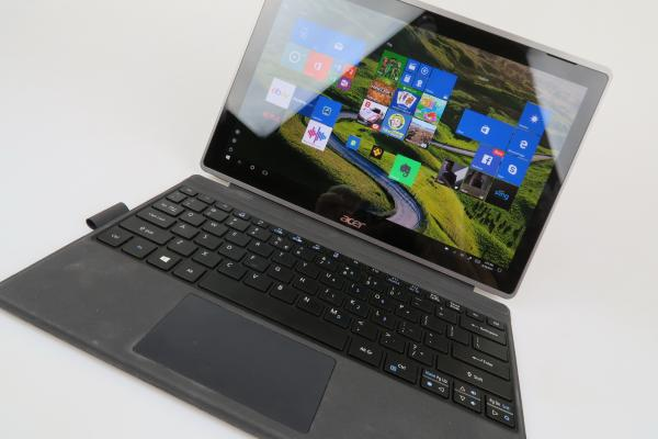 Acer Switch 3: Benchmark-uri la nivel de iPad Air 2, fără vreun lag