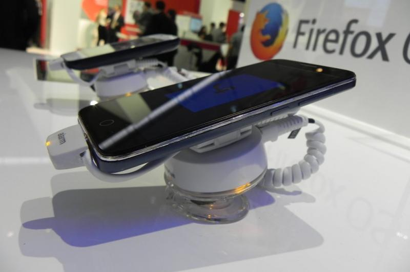 Alcatel One Touch Fire E hands on preview: o premieră cu Firefox OS de la Alcatel (Retro MWC 2014 - Video): dscn4817jpg.jpg