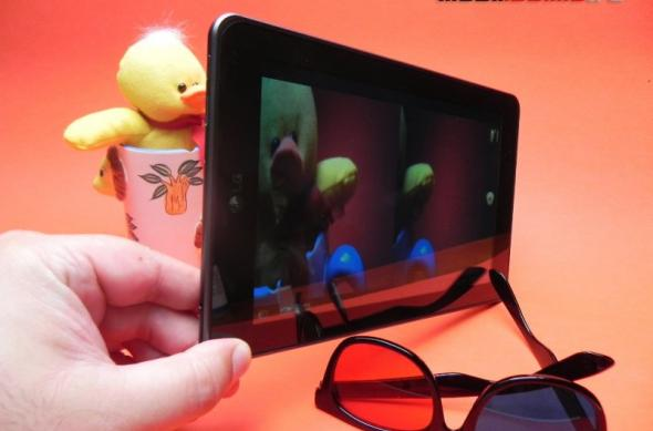 Review LG Optimus Pad - prima tabletă 3D nu iese În evidență și la capitole 2D (Video): lg_optimus_pad_mobilissimo_17.jpg