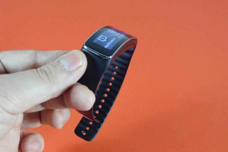 Samsung Gear Fit Review: gadget de fitness cu design atractiv, dar cu unele lipsuri (Video): samsung_gear_fit_review_mobilissimo_49jpg.jpg