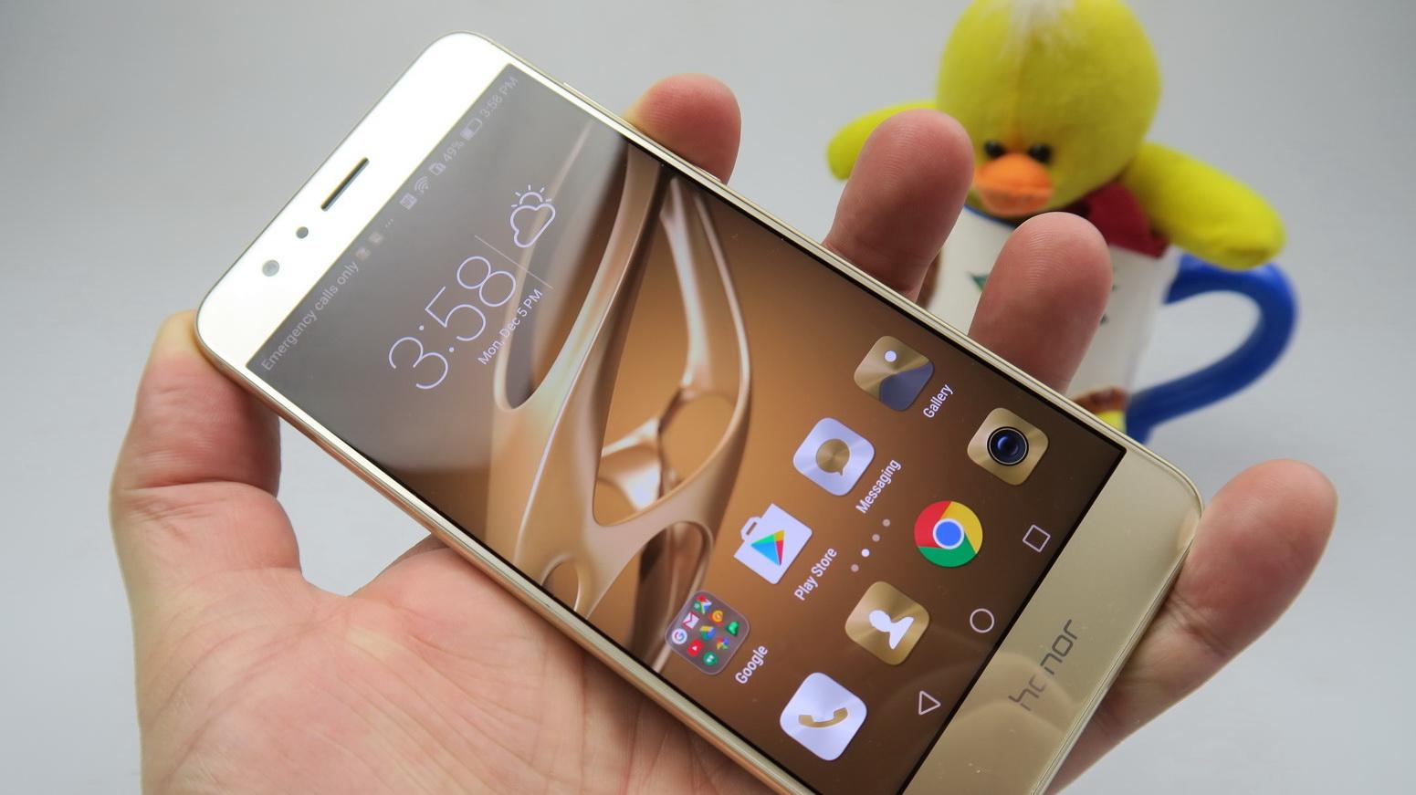 Huawei Honor 8: OS, UI, aplicaţii tipice EMUI 4 1, la indigo