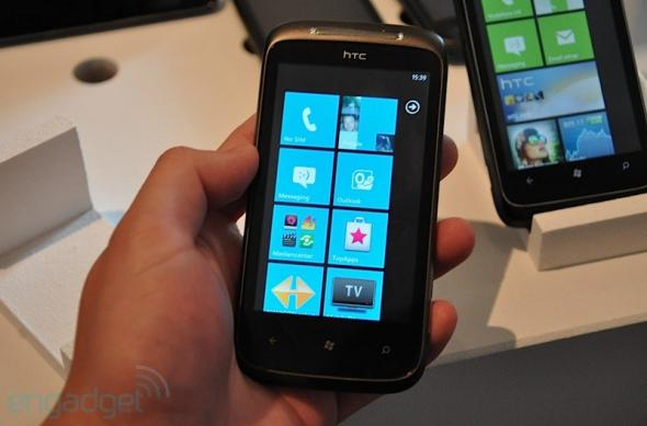 HTC 7 Mozart, un Desire HD cu Windows Phone 7?: htcmozarthandson2010_10_11.jpg