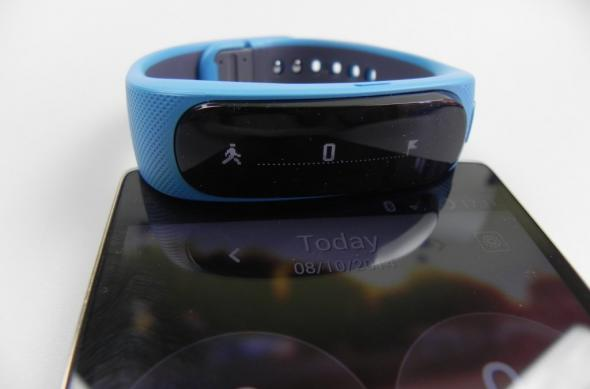 Huawei Talkband B1 review: brățara de fitness tracking cu headset integrat și câteva imperfecțiuni (Video): huawei_talkband_b1_review_01jpg.jpg