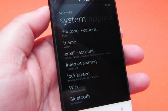 Review HTC Windows Phone 8S: design plăcut, calitate audio și câteva defecte esențiale (Video): htc_windows_phone_8s_review_mobilissimi_ro_15.jpg