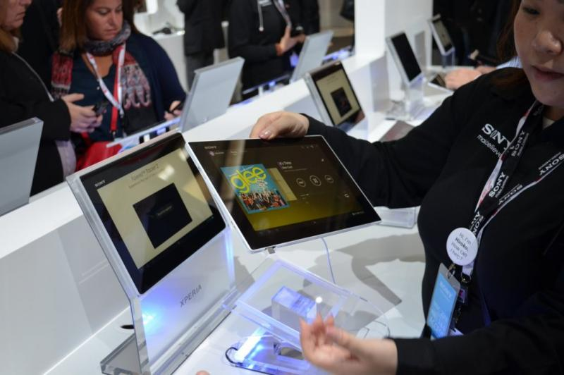 MWC 2013: Experienta hands on cu tableta Sony Xperia Tableta Z, cea mai subțire tableta din lume (Video): sony_xperia_tablet_z_12jpg.jpg