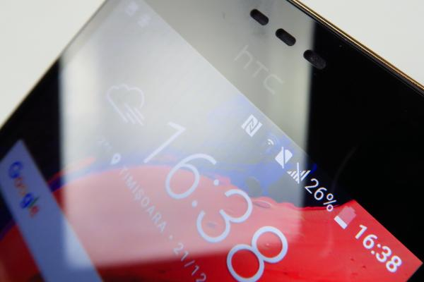 HTC Desire 10 Lifestyle: Display dezamăgitor la luminozitate, culori rezonabile