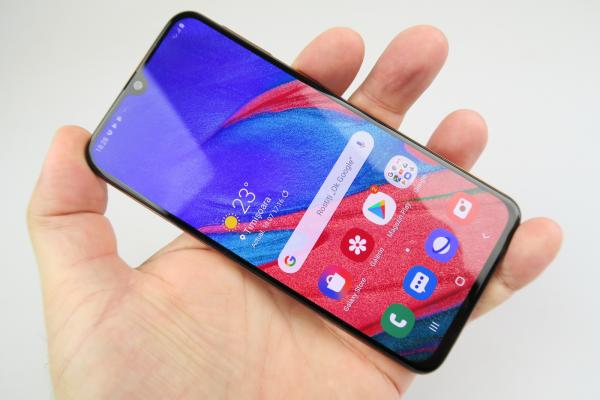 Samsung Galaxy A40 - Galerie foto Mobilissimo.ro