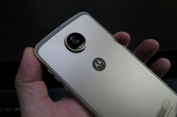 Motorola Moto Z2 Play - Fotografii Hands-On: Motorola-Moto-Z2-Play_005.JPG