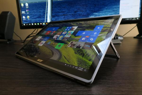Acer Switch 3 - Fotografii Hands-On