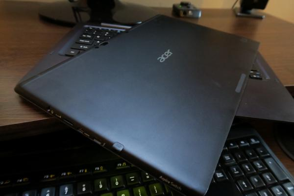 Acer Aspire Switch 12 S - Fotografii Hands-On