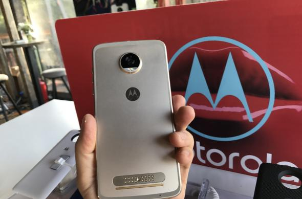 Motorola Moto Z2 Play - Fotografii Hands-On de la evenimente: Lansare-Motorola-Moto-Z2-Play-in-Romania_006.jpg