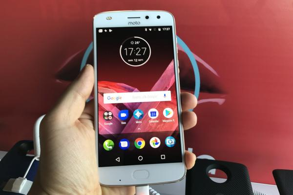 Motorola Moto Z2 Play - Fotografii Hands-On de la evenimente