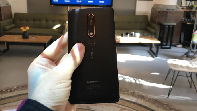 Nokia 6 (2018) - Fotografii hands-on de la evenimente: Nokia-6-2018_002.jpg