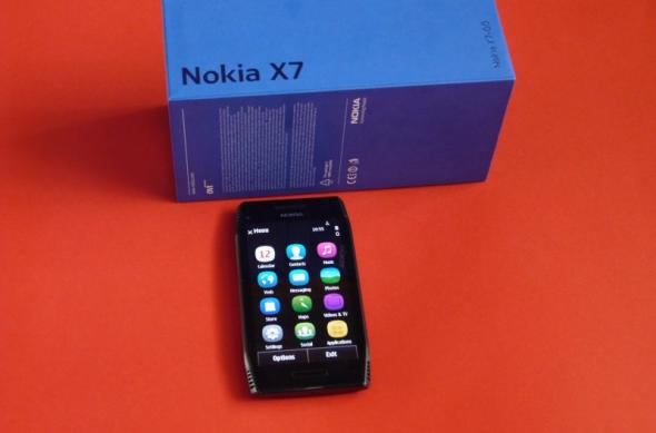Nokia X7 scos din cutie la Mobilissimo.ro; Symbian Anna a sosit!: nokia_x7_unboxing_mobilissimo_01jpg.jpg