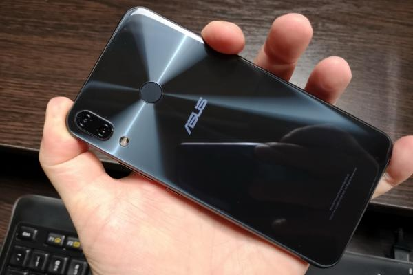 ASUS ZenFone 5z (ZS620KL) - Fotografii Hands-On