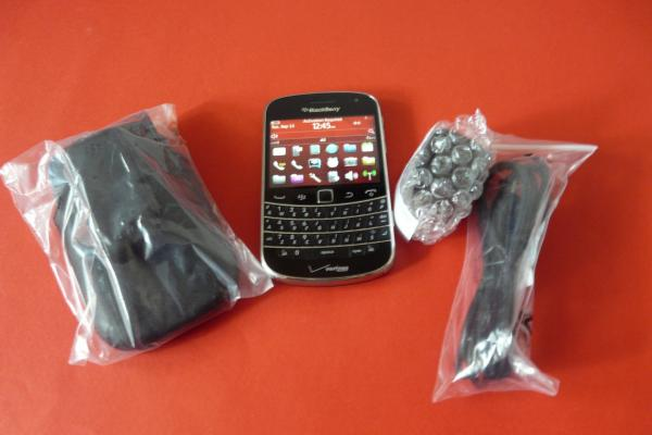 BlackBerry Bold Touch 9930 - Unboxing